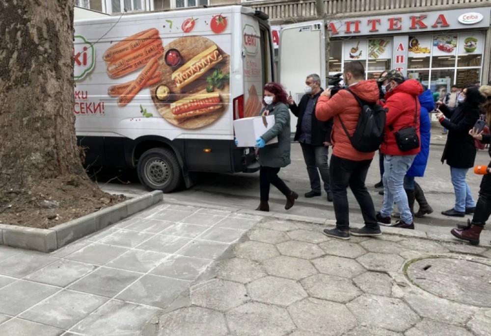"""Долу ръцете от буса на """"Леки""""!"""" - www.PlovdivMedia.bg"""