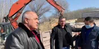 Бойко Борисов  с джипката и Нанков дойдоха в Брестовица